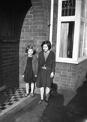 Vivien Bexon with her younger sister Angela